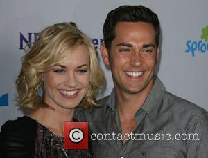 Yvonne Strahovski and Zachary Levi