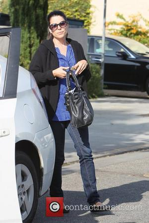 Neve Campbell  leaving M Cafe in Beverly Hills Los Angeles, California - 21.10.11