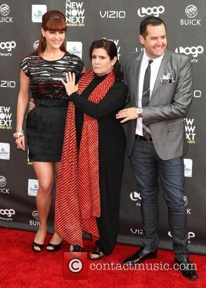 Sara Rue and Carrie Fisher