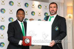 Pele and Eric Cantona Pele and Eric Cantona Host the announcement of the official New York Cosmus Opus , held...