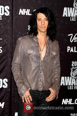 Criss Angel To Marry Girlfriend Sandra Gonzalez