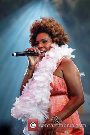 Macy Gray Offers Fans The Chance To Join Her In The Studio