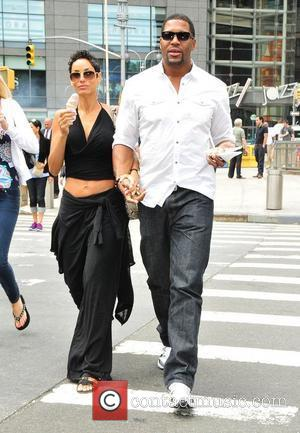 Nicole Murphy and Michael Strahan out and about in midtown. New York City, USA - 14.06.11
