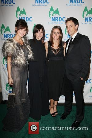 L-R) Actress Gina Gershon with sister Tracy Gershon, Lexi Ash, and SNL writer and actor Seth Meyers   Chiefs...