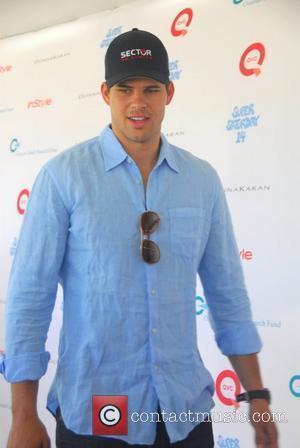 Kris Humphries Celebrities attend Oceana Hamptons Splash event held in the Southampton Southampton, New York - 30.07.11