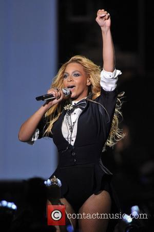 Beyonce Knowles, Dakota Fanning and Oprah Winfrey