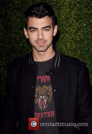 Joe Jonas, Black Eyed Peas