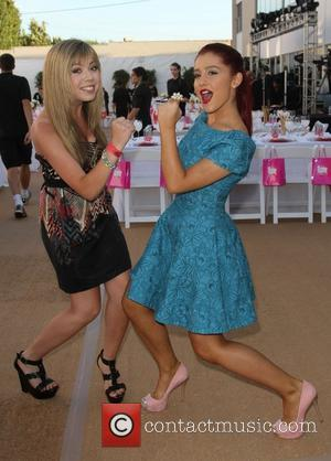 Jennette McCurdy, Ariana Grande The 2011 Angel Awards Held at Project Angel Food Hollywood, California - 20.08.11