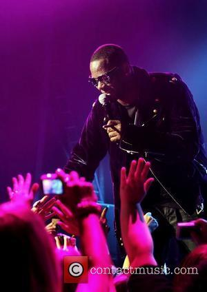 R. Kelly Makes History With 21st Soul Train Awards Nomination