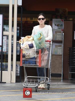 Rachel Bilson at Gleson's Market in Los Feliz Los Angeles, California - 31.07.11