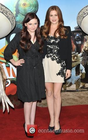 Isla Fisher and Abigail Breslin