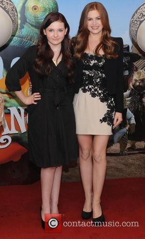 Abigail Breslin and Isla Fisher