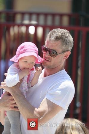 Eric Dane enjoys the day playing at Coldwater Canyon Park with his daughter, Billie Beatrice Dane Los Angeles, California –...