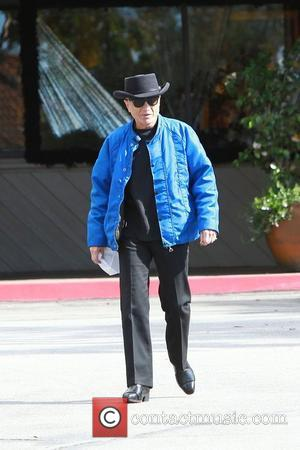Robert Blake leaves a cafe after having breakfast Los Angeles, California - 19.02.11