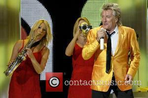 Rod Stewart Takes A Break From Baby Duty To Get Tour Rest