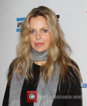 Kristin Bauer Backs Anti-rabies Campaign