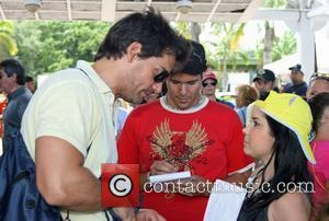 Cristian de la Fuente and his daughter The 2nd Annual Roselyn Sanchez Triathlon For Life at Parque Central  San...