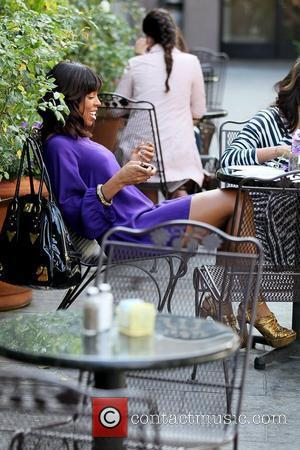 Kelly Rowland filming a reality show segment at Cuvee on Robertson Boulevard Los Angeles, California - 16.03.11