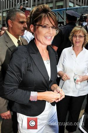 Sarah Palin's Protests Crushed As 'Game Change' Finds Strong Reviews