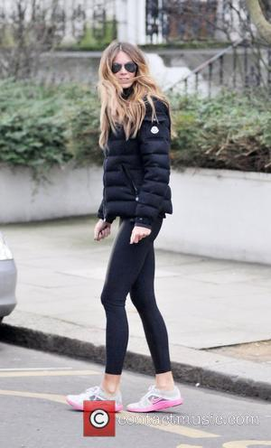 Elle Macpherson after dropping her children at school London, England - 27.01.11
