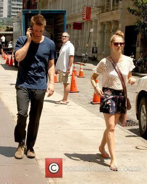 Scott Speedman and Teresa Palmer take a stroll through Soho on a sunny day New York City, USA - 29.06.11