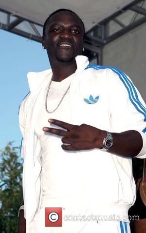 Palms Hotel, Akon