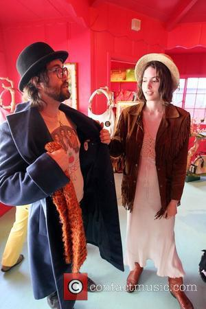 Sean Lennon  shopping with his girlfriend Charlotte Kemp at the Blumera Handbag Boutique on Melrose Ave in West Hollywood....