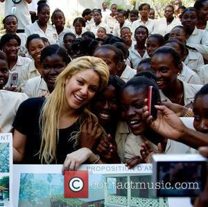 Shakira's Stage Celebrations For Boyfriend