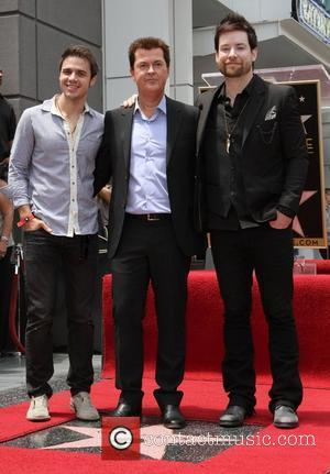 Kris Allen, Simon Fuller, Lee DeWyze Simon Fuller receives a star on the Hollywood Walk of Fame Los Angeles, California...