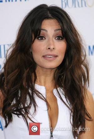 Sarah Shahi Los Angeles Premiere of 'Something Borrowed' held at the Grauman's Chinese Theatre - Arrivals Los Angeles, California -...