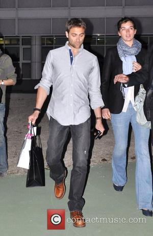 Stuart Townsend leaving french tv show 'Le Grand Journal Paris, France - 18/04/2011