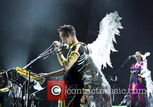 Sufjan Stevens Takes Aim At Miley For Grammar Errors