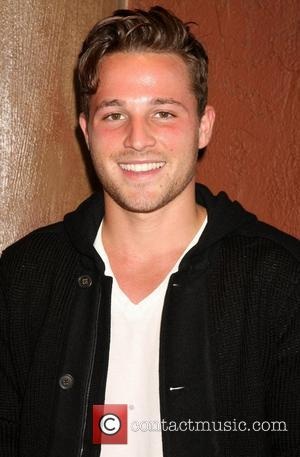'Desperate Housewives' Star Shawn Pyfrom Recalls Alcohol And Drug Addiction Past