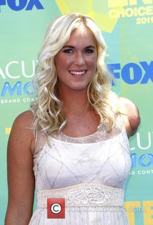 Bethany Hamilton  2011 Teen Choice Awards held at Gibson Amphitheatre - Arrivals Universal City, California - 07.08.11