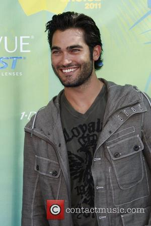 Tyler Hoechlin 2011 Teen Choice Awards held at Gibson Amphitheatre - Arrivals Universal City, California - 07.08.11