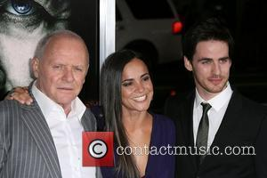 Anthony Hopkins and Alice Braga