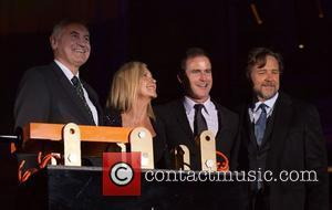 Olivia Newton-john and Russell Crowe