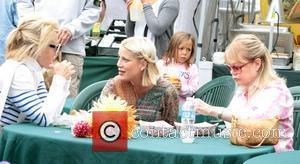 A heavily pregnant Tori Spelling takes her children to Malibu Farmers market  Los Angeles, California, USA - 07.08.11