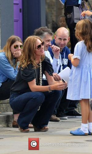 Trinny Woodall chatting to a girl in Notting Hill London, England - 23.09.11