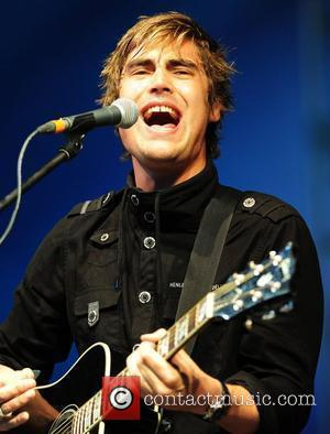 Charlie Simpson Knocked Out During Video Stunt