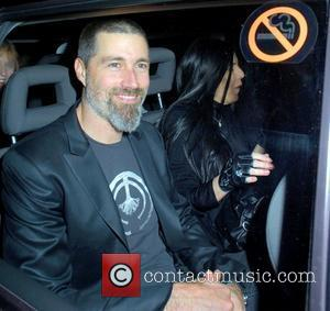 Matthew Fox 'Beats Women', Reveals 'Lost' Co-star