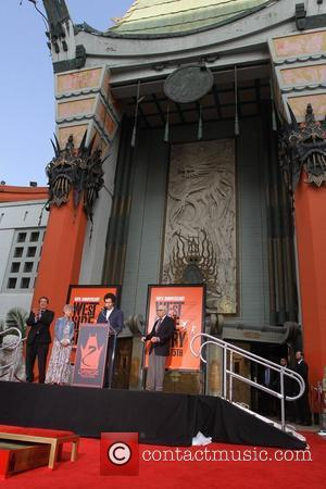 Atmosphere, David Cross and Grauman's Chinese Theatre