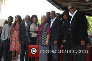BeBe Winans and CeCe Winans with Family BeBe Winans and CeCe Winans are honoured on the Hollywood Walk of Fame...