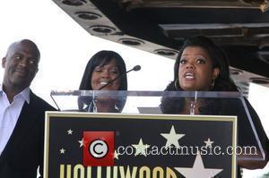 BeBe Winans, CeCe Winans, Yvette Nicole Brown BeBe Winans and CeCe Winans are honoured on the Hollywood Walk of Fame...