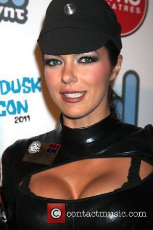 Adrianne Curry Thrown Out Of Comic-con Over Sexy Aeon Flux Outfit