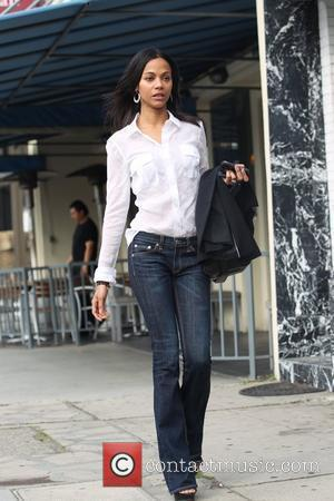 Zoe Saldana has lunch with friends in Hollywood Los Angeles, California - 15.02.11