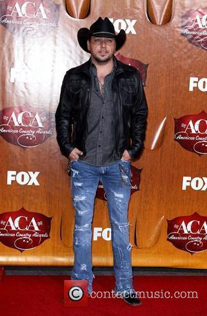 Jason Aldean Lights Up American Country Awards With Six Wins