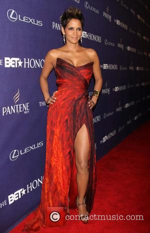 Halle Berry BET Honors 2013: Red Carpet presented by Pantene at the Warner Theatre - Arrivals  Featuring: Halle Berry...