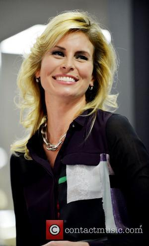 Niki Taylor Sues Cosmetics Firm