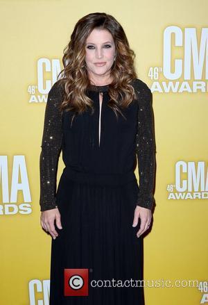 Lisa Marie Presley and Cma Awards